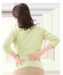 腰が痛い中年女性